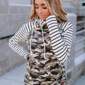 AMPERSAND ANVENUE BASEBALL DOUBLE HOOD CAMO XS NWT